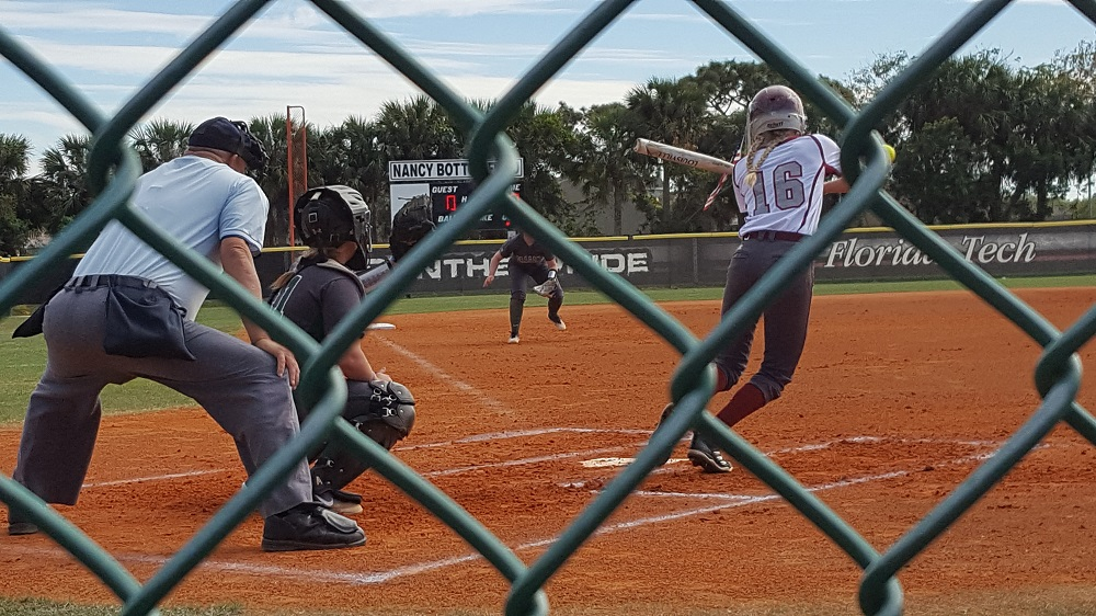 Panthers Split Doubleheader With Embry-Riddle