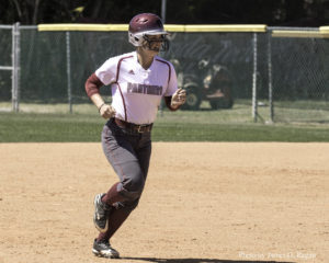 Panthers Split Doubleheader with Eckerd