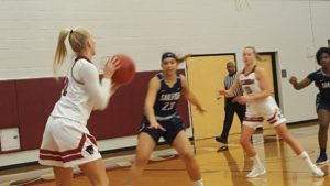 Tritons Topple Panthers in Women's Hoops